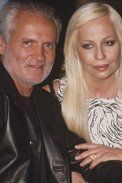 Oggi Gianni Versace avrebbe compiuto 74 anni. Donatella Versace ricorda il fratello: Non passa un giorno senza che io ti pensi