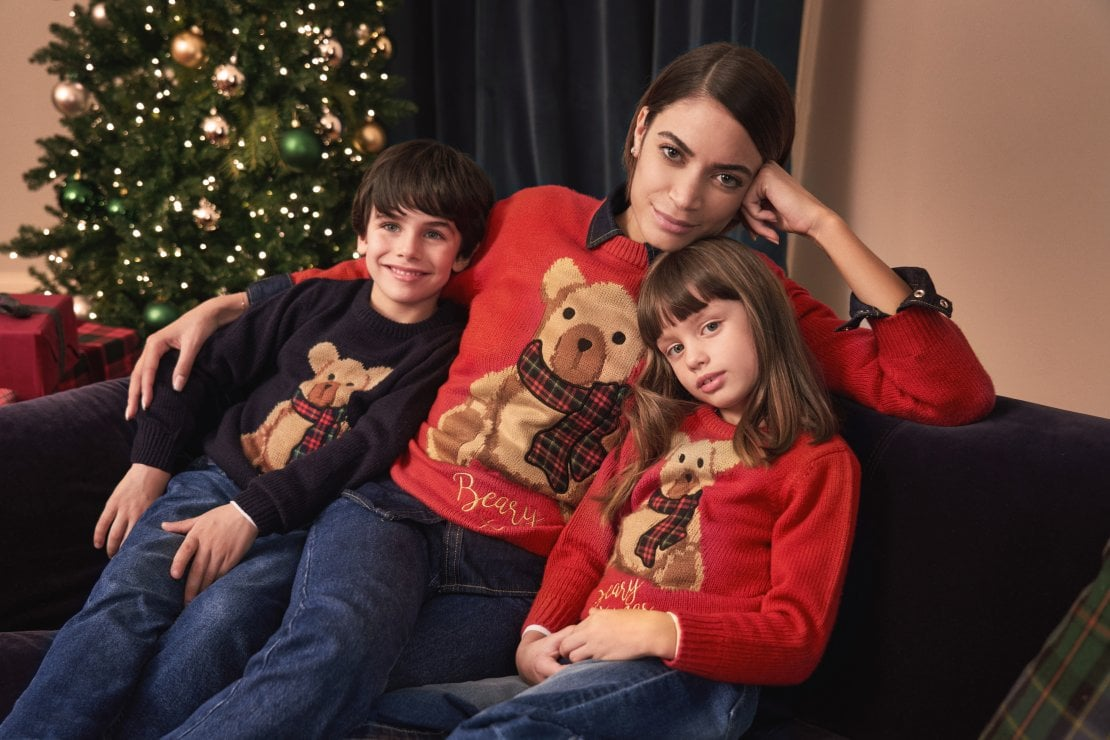 Elodie testimonial OVS per il Christmas Jumper creato per Save the Children