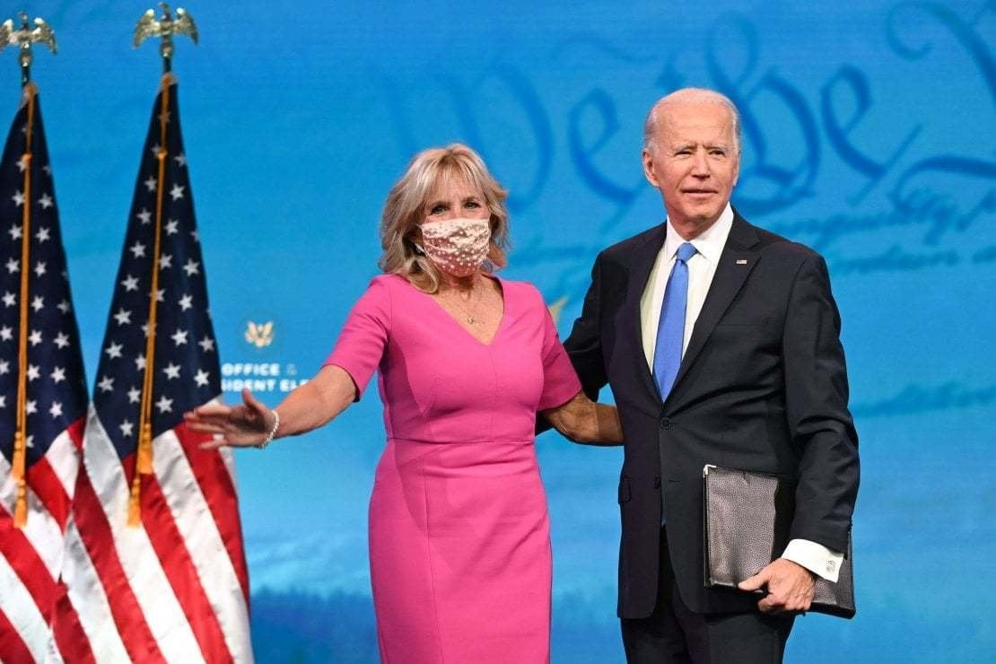 Michelle Obama difende Jill Biden dopo gli attacchi misogini: ''La dottoressa Biden è di esempio per tutte noi''