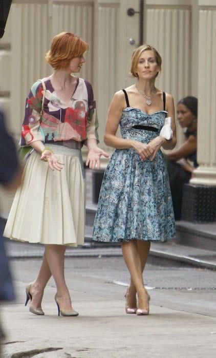Sex and the City: rivediamo 15 look tra i più belli di Carrie Bradshaw e delle sue amiche