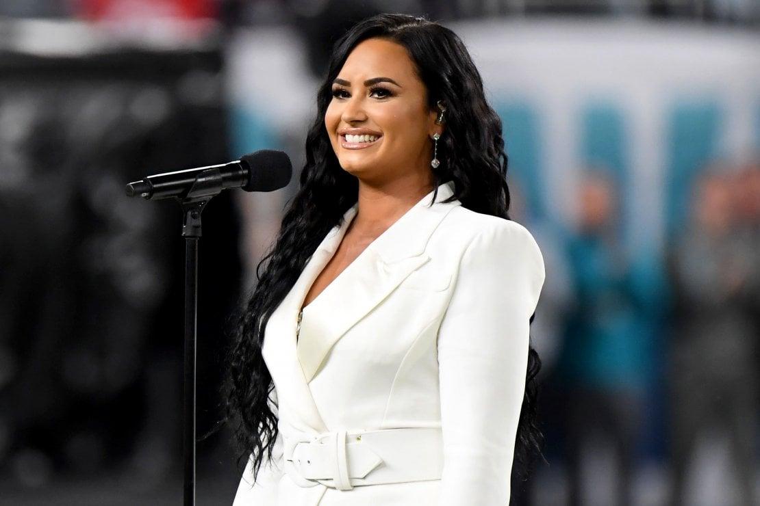 Capelli, anche Demi Lovato cede al rosa pandemia