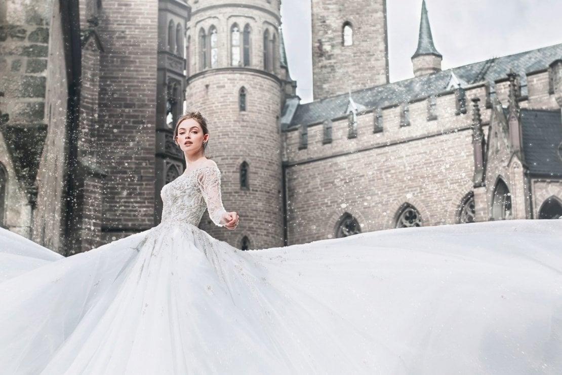 Buona notizia: ora possiamo scegliere un abito da sposa da principessa Disney