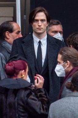 Robert Pattinson nei panni di The Batman, in uscita nel 2022 (SplashNews)
