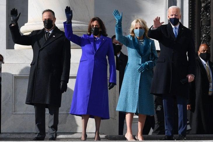 Kamala Harris in viola, Jill Biden in azzurro: i colori simbolo per riunire l'America