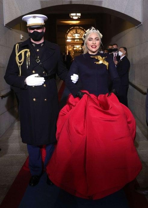 Inauguration day, i look nel segno della pace di Lady Gaga e Jlo