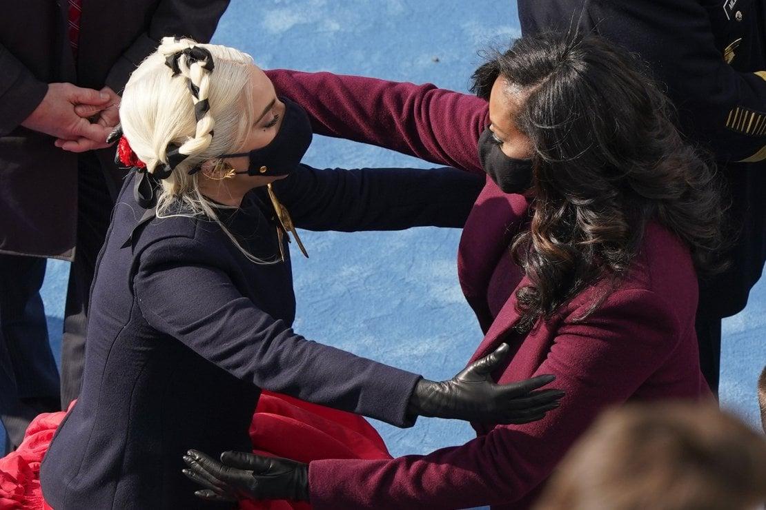 Inauguration day: i beauty look più belli (e simbolici) da Lady Gaga a  Michelle Obama - Beauty - D.it Repubblica