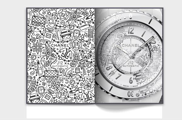 A sinistra: J12 · 20 motivi di orologi. © CHANEL / 2020. A destra: orologio J12 · 20 in ceramica bianca ad alta resistenza, acciaio e diamanti. © CHANEL / 2020.Courtesy CHANEL WATCHES