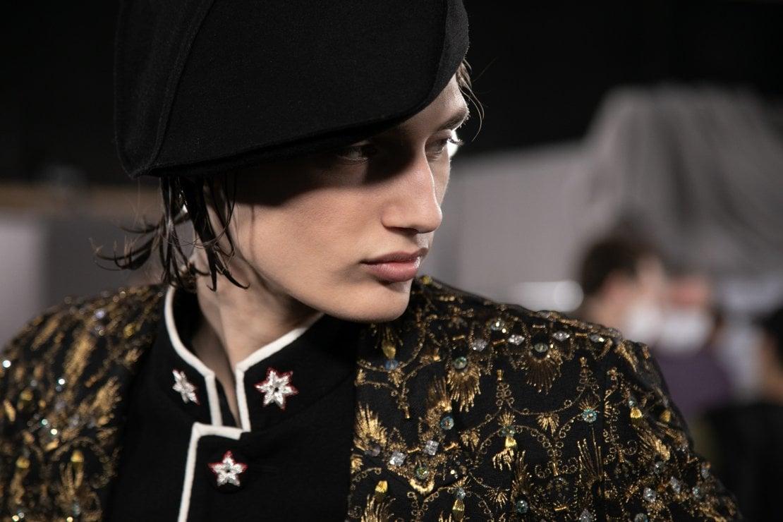 In questa e nelle immagini seguenti, la collezione Dior Men autunno/inverno 2021