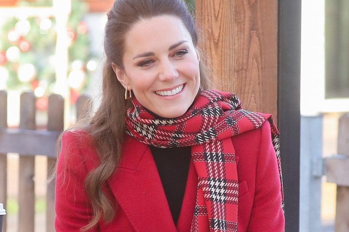 Kate Middleton, il tributo alla Scozia con abito tartan (riciclato)