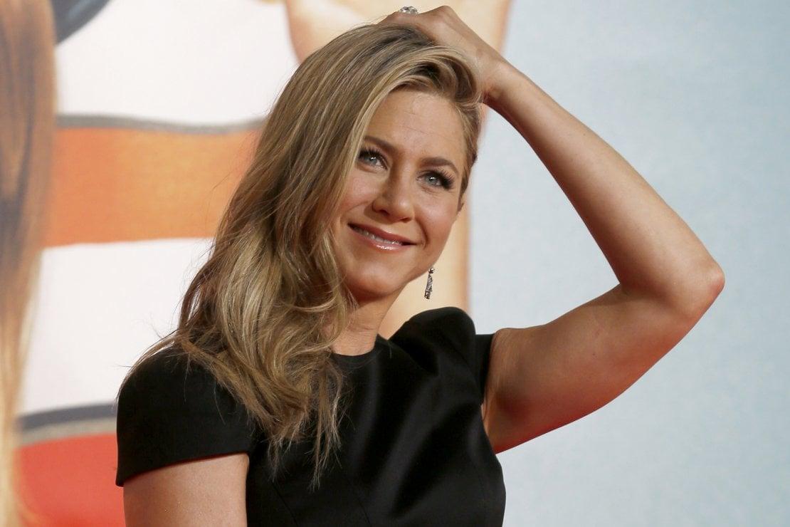 Guida al biondo over 50: la lezione di Jennifer Aniston