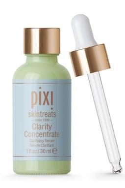 Clarity Concentrate di Pixie (esclusiva Sephora € 33,90): con acido lattico, probiotici e aloe vera, esfolia, idrata e purifica.