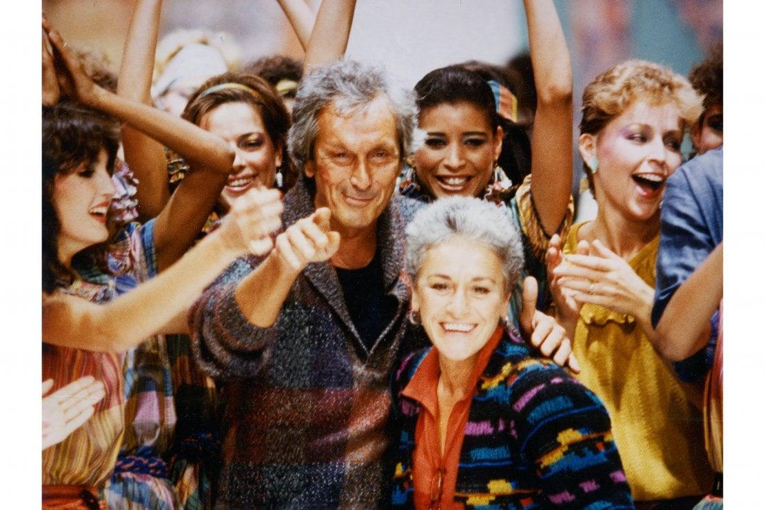 Ottavio e Rosita Missoni al termine di una sfilata nel 1981