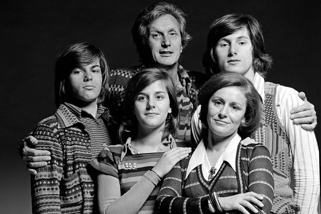 La famiglia Missoni (da sinistra, Luca, Angela, Ottavio, Rosita e Vittorio) ritratta nel 1972