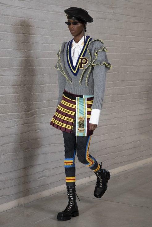 Philosophy di Lorenzo Serafini. Uniformi, kilt e abiti da majorette per una collezione stile college