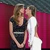 Sanremo: il bacio tra Elisabetta e Belen