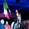 Sanremo, Benigni entra a cavallo