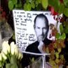 Jobs, l'abbraccio silenzioso dei fan