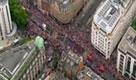 Londra si ferma ad applaudire gli eroi dei Giochi