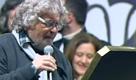 Elezioni 2013, Grillo legge le parole del guerriero e si commuove