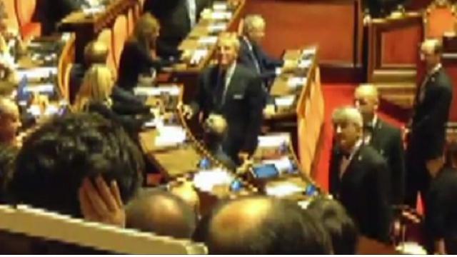 """Senato, insulti a Santangelo e Taverna (M5s): """"Ti faccio un c... """""""