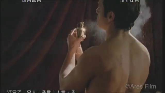 Garko Calendario.Gabriel Garko Ecco Il Nudo Dello Scandalo In Rodolfo Valentino