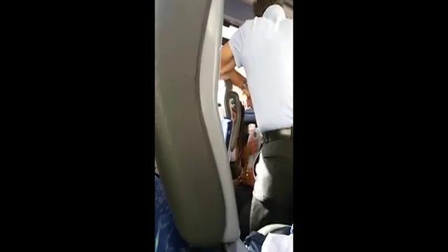 Piacenza: lite sul bus, autista aggredisce studente di ...