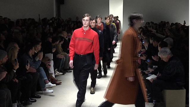 on sale 1ea53 b0776 Jil Sander: la sfilata di Milano Moda Uomo - Video D.it ...