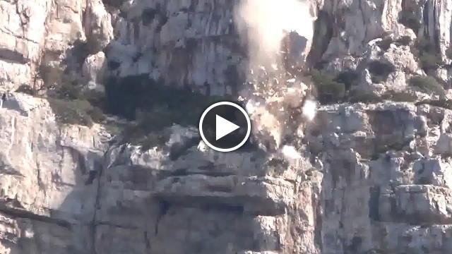 Capo caccia il gigante di roccia precipita in mare video la nuova sardegna - Lo specchio dei desideri sassari ...