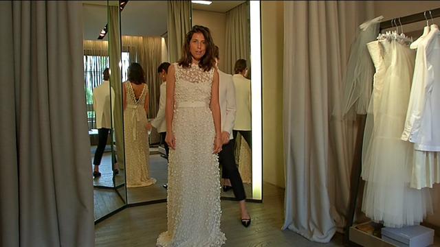 Matrimonio romantico  l abito e il trucco su cui puntare - Video D ... 6c2e49affb1