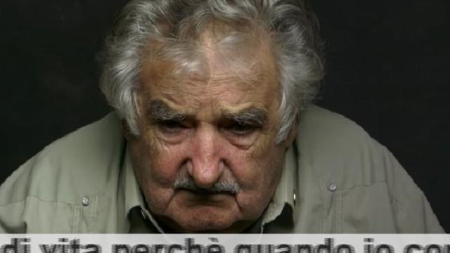 """José Mujica: """"Non veniamo al mondo per lavorare o per accumulare ricchezza, ma per vivere. E di vita ne abbiamo solo una"""" (FOTO)"""