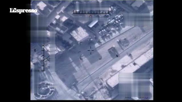Il Califfato visto dai droni: la bandiera nera