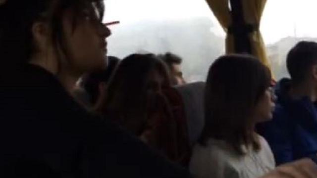 Sul bus Ortona-Lanciano non c'è mai posto, il video
