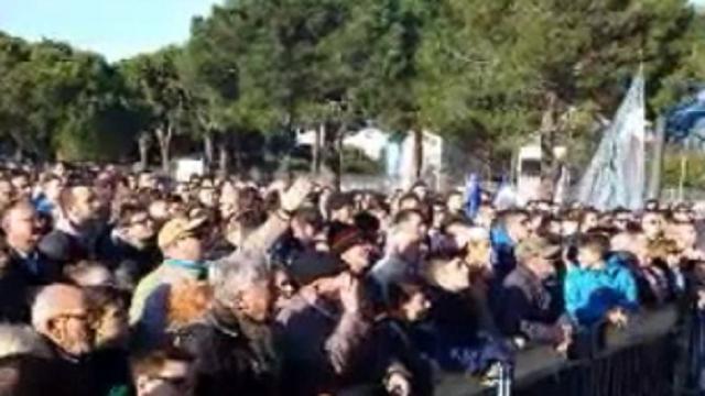 Pescara, partita su maxischermo per centinaia di tifosi
