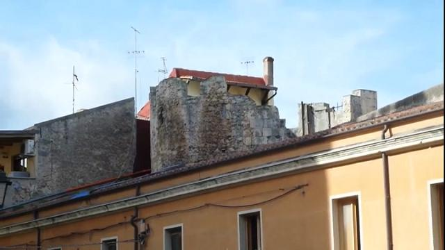 Sassari, la Torre Tonda medievale devastata dai vandali