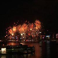 Hong Kong: lo spettacolo pirotecnico per il Capodanno Lunare