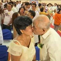 Filippine: nozze di massa a Manila, si sposano in 700