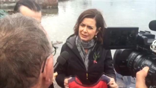 """Migranti, Boldrini a Lesbo: """"Il salvagente deve essere simbolo di Ue non solo della Grecia"""""""