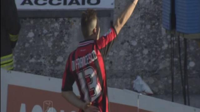 Di Francesco jr., saluto romano dopo il gol
