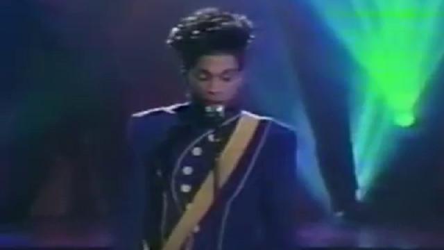 Addio a Prince, il gigante del pop a stelle e strisce: