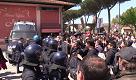 """Pisa, rilasciati i due manifestanti: """"Hanno caricato tutti indistintamente"""""""