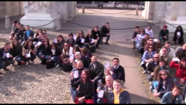 Milano, un anno dopo Expo il flash mob dei lavoratori social