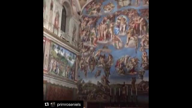 The Edge canta nella Cappella Sistina 'If it be your will' contro il cancro