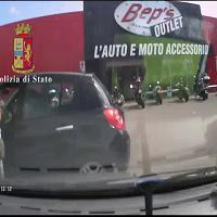 Polizia ferma una banda di rapinatori seriali nei parcheggi di varie città
