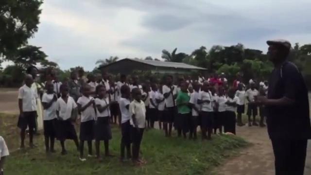 I bambini del Congo e il coro dei tifosi rossoblu insegnato dai medici genovesi