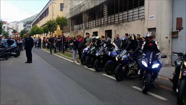 Prato, il rombo delle moto accompagna Cristian nell'ultimo viaggio
