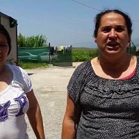 Torre del Lago, i rom rispondono all'ultimatum: Restiamo qui, questa è la nostra casa