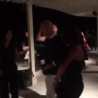 Claudio Bisio stregato dalla tarantella: la sua danza sul Gargano