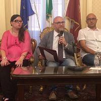 Livorno, il sindaco Nogarin presenta la nuova giunta