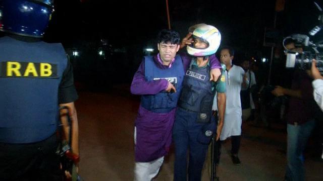 Simona col piccolo Michelangelo, vittime del terrore a Dacca
