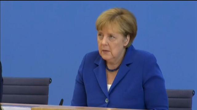 """Merkel: """"I terroristi non cambieranno il nostro modo di vivere"""""""